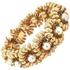 Funky 1960s Retro Akoya Pearl and Sapphire Bracelet in Gold