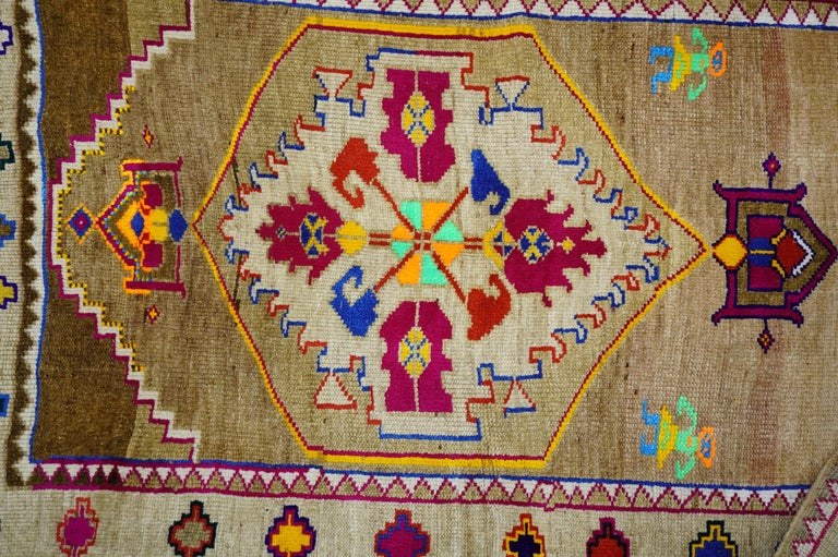 Mid-20th Century Funky Color Turkish 20th Century Wool Cotton Scatter Size Pictorial Rug For Sale