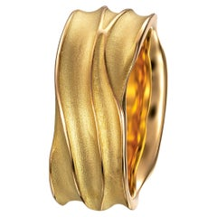 Furrer Jacot 18 Karat Yellow Gold Wave Band