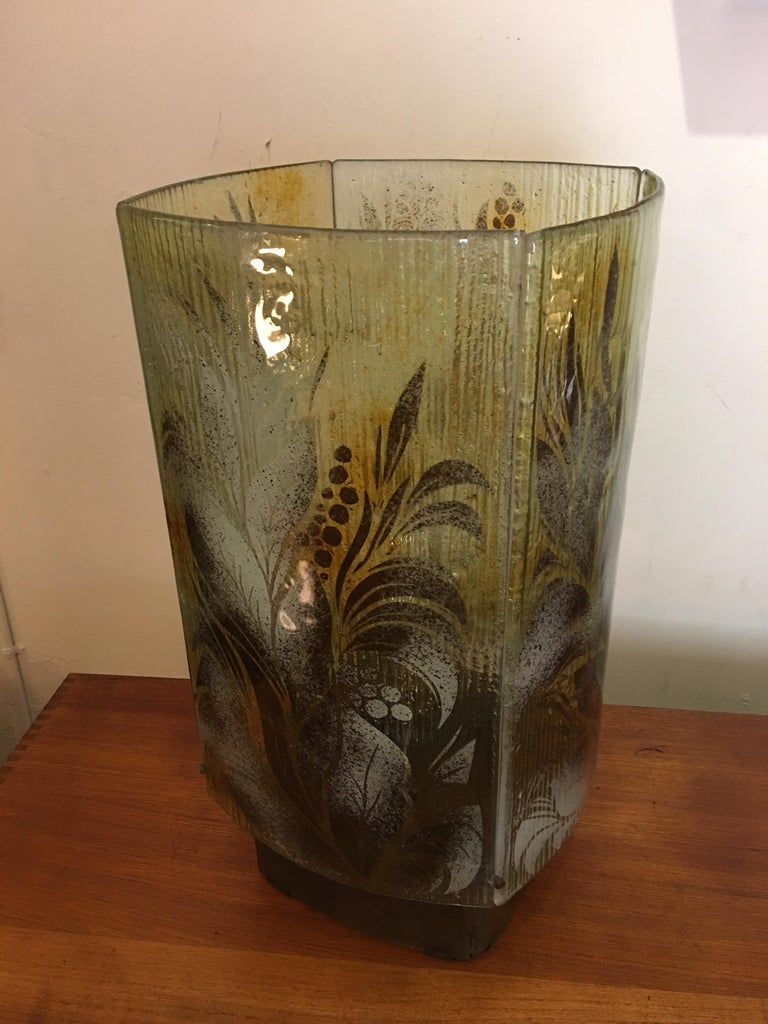 Fused Glass Fauna Inspired Table Lamp In Good Condition For Sale In Philadelphia, PA