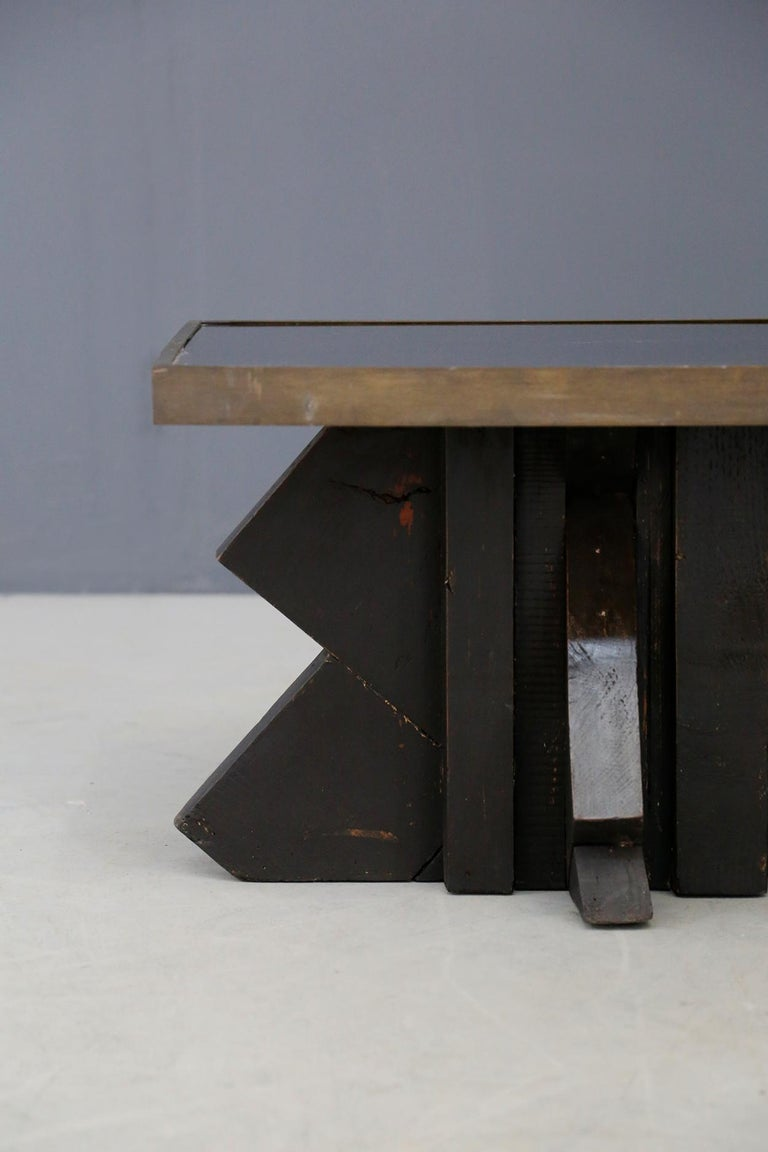Mid-Century Modern Futurist Coffee Table in Sculpted Wood and Brass, 1920s For Sale