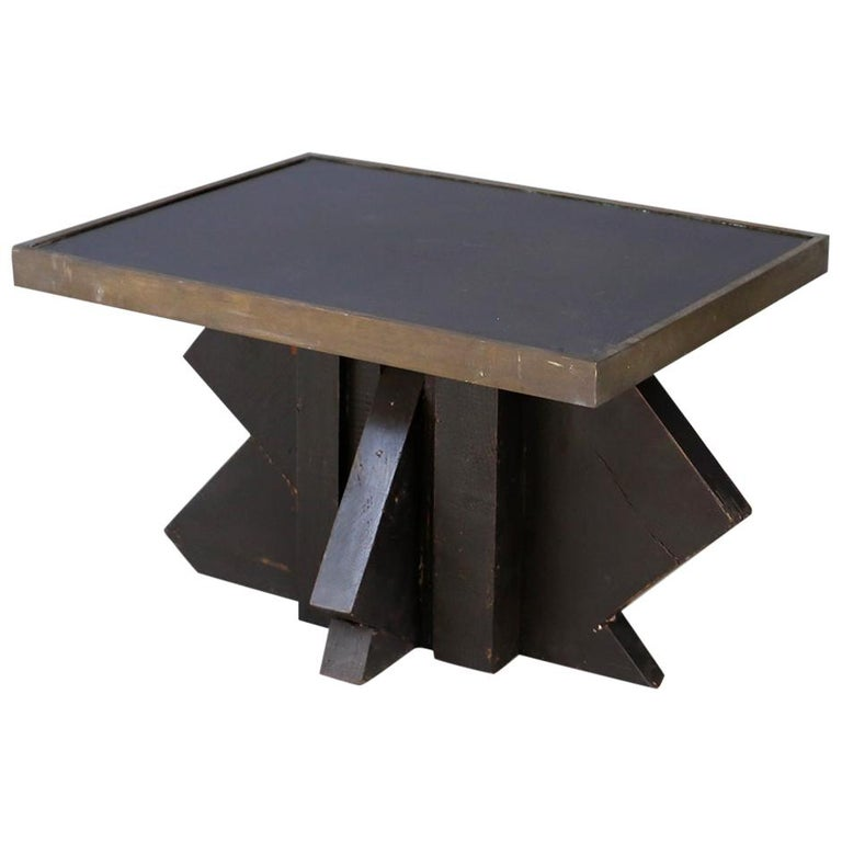 Futurist Coffee Table in Sculpted Wood and Brass, 1920s For Sale