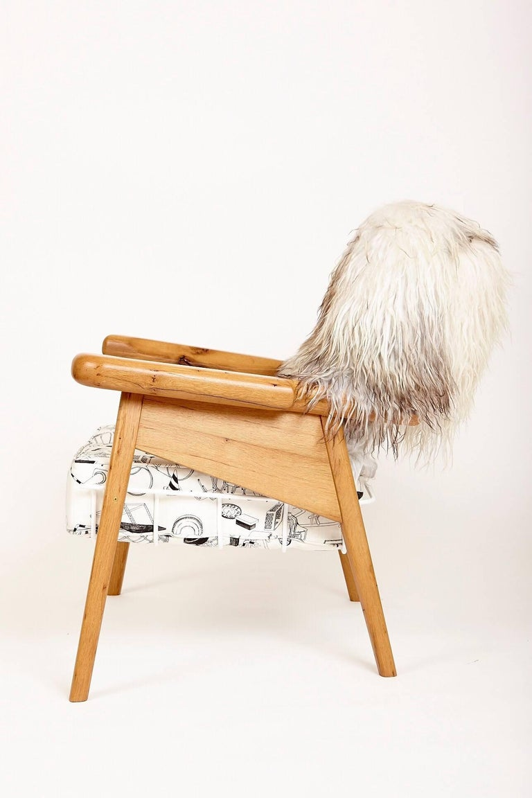 The Fuzzy Captain is a variation on Evan's faithful captains chair design. It combines bigger and beefier proportions with his dynamic design to make for an intensely relaxing sit. Evan's original concept for this piece was to make a chair that