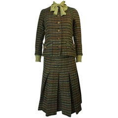 F/W 1977 Chanel Haute Couture Green Boucle Three Piece Suit