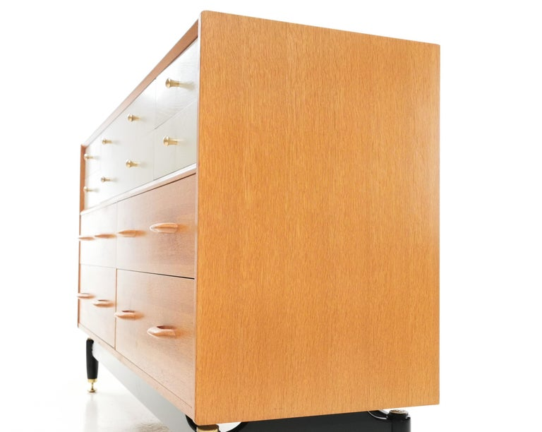 G Plan China White Oak Sideboard Chest of Drawers Midcentury In Good Condition In STOKE ON TRENT, GB