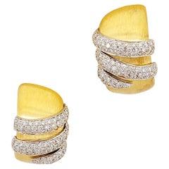 G. Verdi 18 Karat Yellow Gold, 1.54 Carat Diamond Hoop Earrings