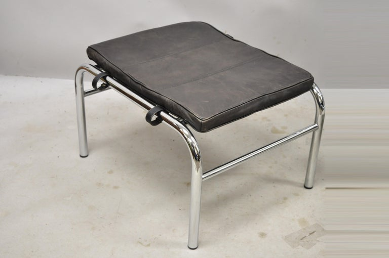 20th Century Gabriele Mucchi for Zanotta Genni Brown Leather Chrome Lounge Chair and Ottoman For Sale