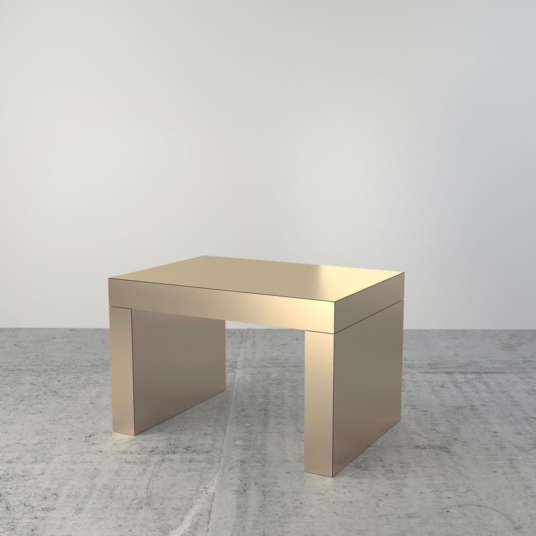 Gaby is a multifunctional coffee table entirely covered by HPL aluminum. The manufacturing process and research on metal surfaces treatment and finishing allows to highlight the shine and brightness of the metallic effect structure.  Gaby is