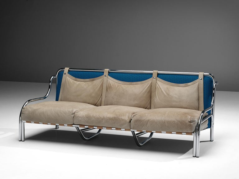Gae Aulenti for Poltranova, sofa model 'Stringa', leather, chromed metal, blue fabric upholstery, Italy, 1962