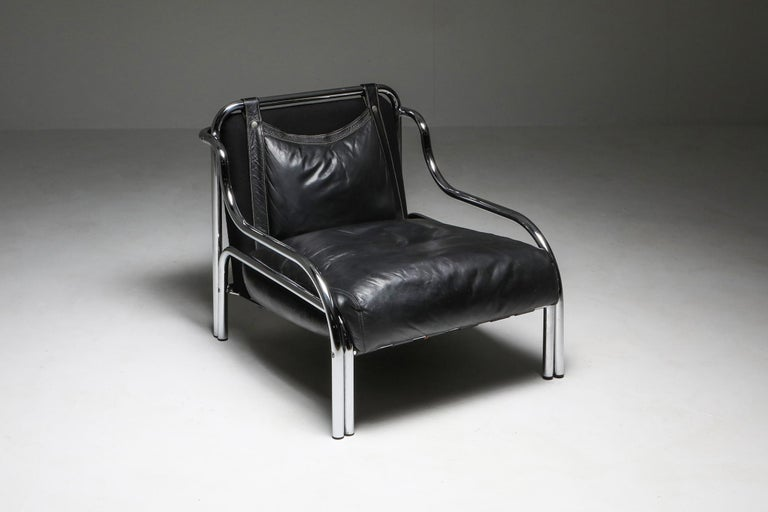 Gae Aulenti for Poltranova, easy chairs 'Stringa', chromed metal, black leather, Italy, 1962