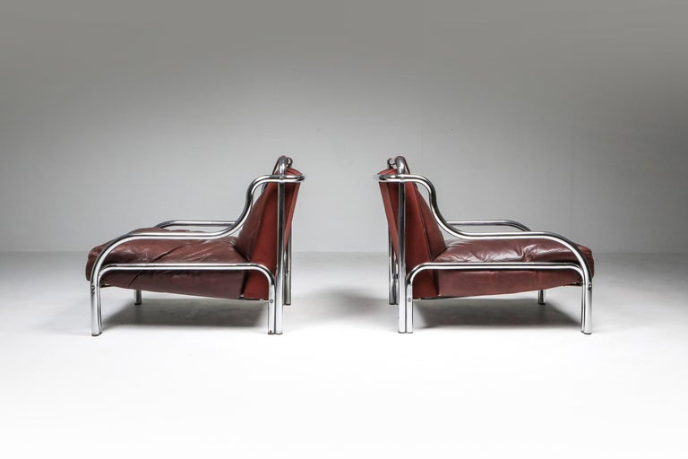 Gae Aulenti for Poltranova, easy chairs 'Stringa', chromed metal, burgundy leather, Italy, 1962