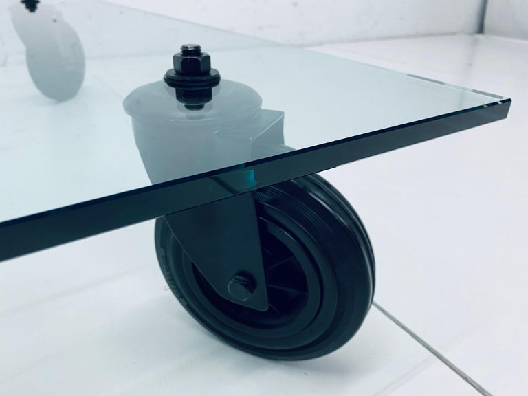 Gae Aulenti Tavolo Con Ruote Low Glass Coffee Table on Casters for Fontana Arte For Sale 1