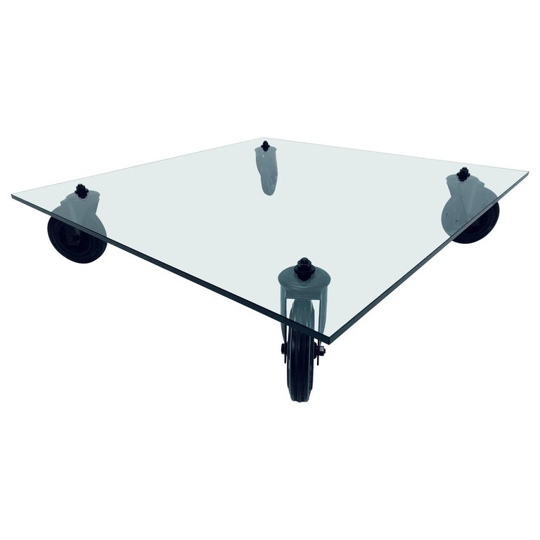 Gae Aulenti Tavolo Con Ruote Low Glass Coffee Table on Casters for Fontana Arte For Sale