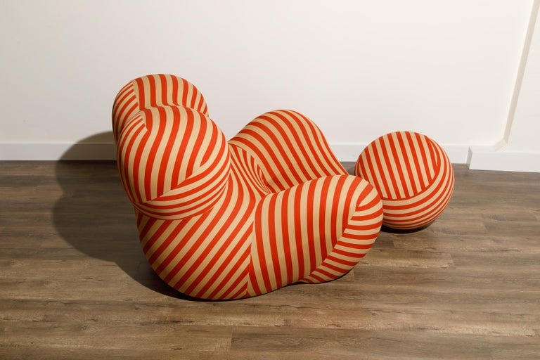 Gaetano Pesce for B&B Italia UP5 and UP6 Lounge Chair and Ottoman, Signed For Sale 3