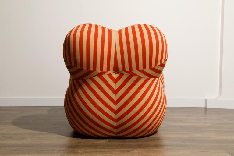 Gaetano Pesce for B&B Italia UP5 and UP6 Lounge Chair and Ottoman, Signed For Sale 4