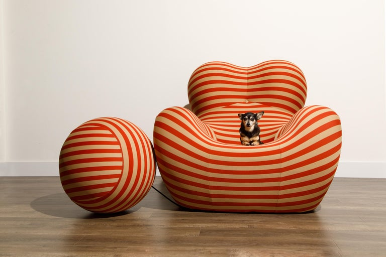 Gaetano Pesce for B&B Italia UP5 and UP6 Lounge Chair and Ottoman, Signed For Sale 7