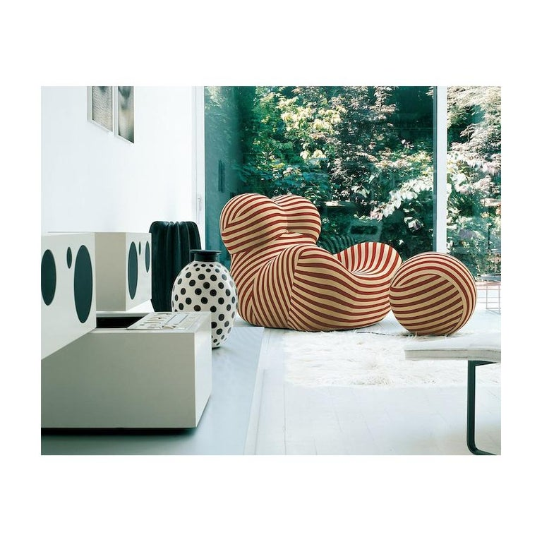 Gaetano Pesce for B&B Italia UP5 and UP6 Lounge Chair and Ottoman, Signed For Sale 13