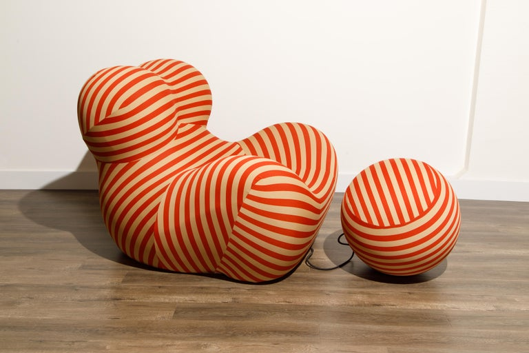 Gaetano Pesce for B&B Italia UP5 and UP6 Lounge Chair and Ottoman, Signed For Sale 1