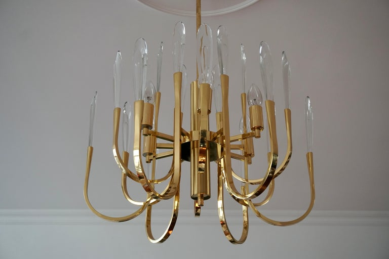 Gaetano Sciolari Brass and Crystal Prism Chandelier Vintage, Italian In Good Condition For Sale In Antwerp, BE