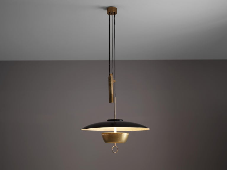Gaetano Sciolari for Stilnovo, ceiling light model 'A5011', metal, brass, Italy, 1950  Elegant dynamic and modern pendant by Sciolari for Stilnovo. Adjustable in height due the counterweight. The light gets beautifully reflected by the white