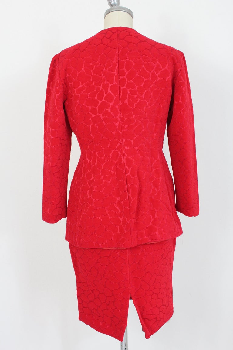 Gai Mattiolo Couture 90s vintage women's suit. Suit skirt, red with tone-on-tone damask pattern. Fabric 78% polyamide 22% silk, internally lined. Made in Italy.  Condition: Excellent  Item used few times, it remains in its excellent condition. There