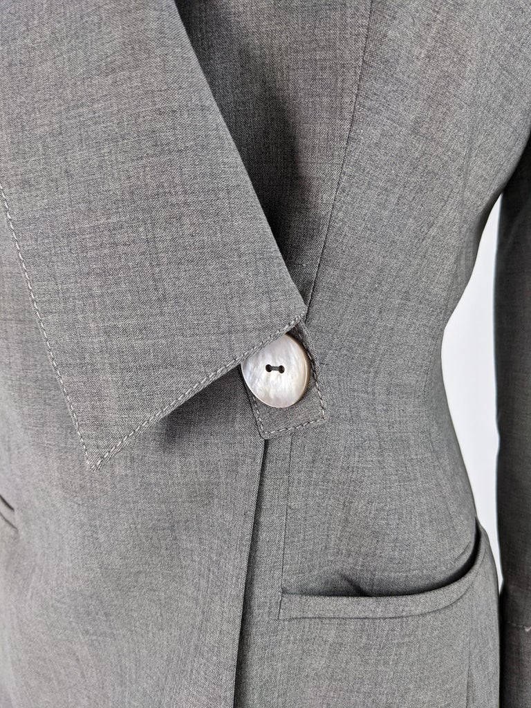 Gai Mattiolo Vintage Womens Grey Wool Asymmetric Blazer Jacket In Excellent Condition In Doncaster, South Yorkshire