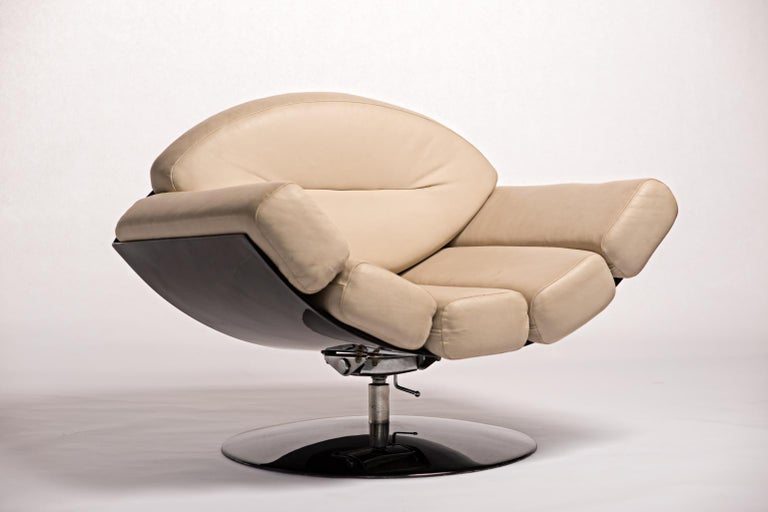 Mid 20th Century Modern Gaivota Chair By Brazilian