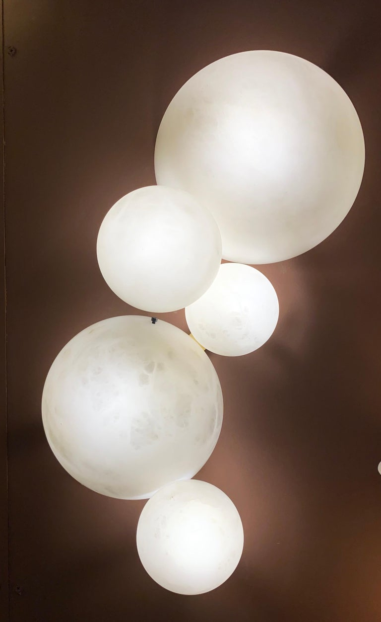 Galaxy Contemporary Italian Alabaster Marble Globe Wall Lights or Sconces In New Condition For Sale In Rome, IT