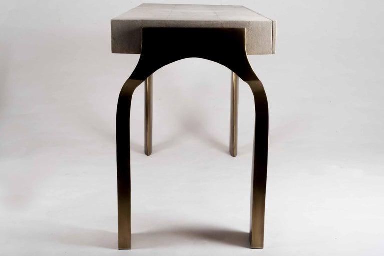 Art Deco Galaxy Writing Desk in Cream Shagreen and Bronze-Patina Brass by Kifu Paris For Sale