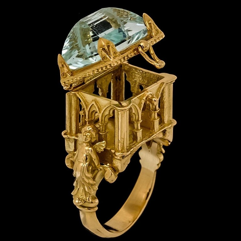 Galerie des Glaces Cathedral Poison Ring in 18 Karat Yellow Gold with Aquamarine 4