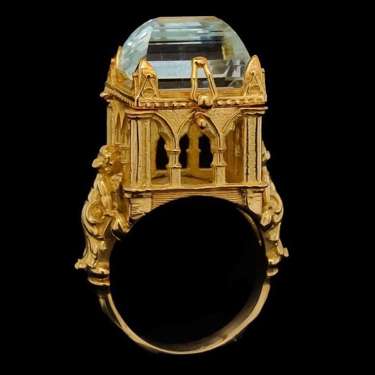 Galerie des Glaces Cathedral Poison Ring in 18 Karat Yellow Gold with Aquamarine 7