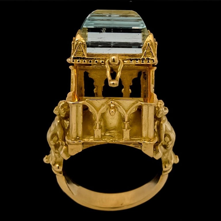 Galerie des Glaces Cathedral Poison Ring in 18 Karat Yellow Gold with Aquamarine 2