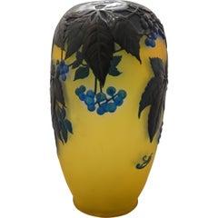 Gallè Art Nouveau Green and Yellow Glass Soufflè American Ivy Vase