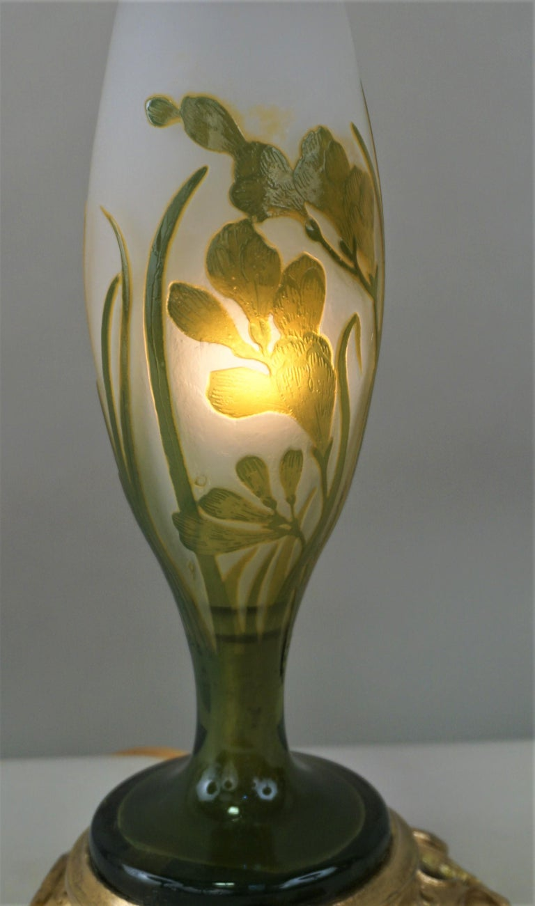 French Galle Style Cameo Glass Art Nouveau Table Lamp For Sale