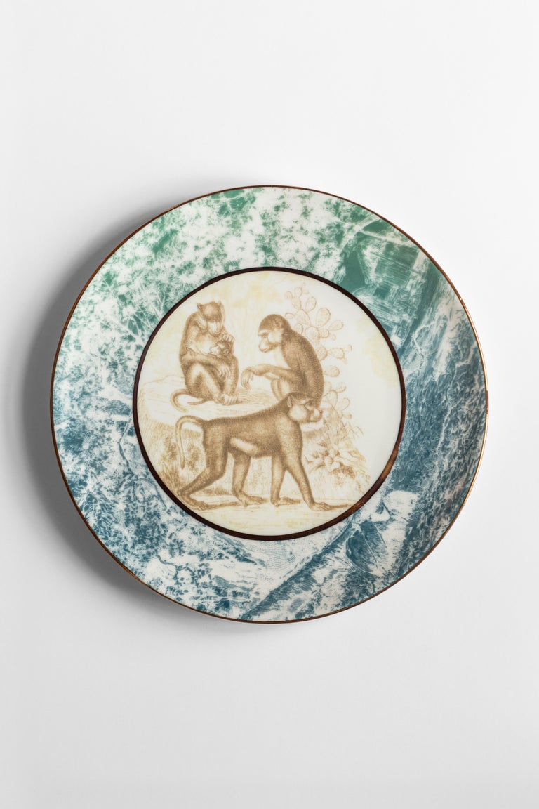 Galtaji, Six Contemporary Porcelain Dinner Plates with Decorative Design For Sale 1