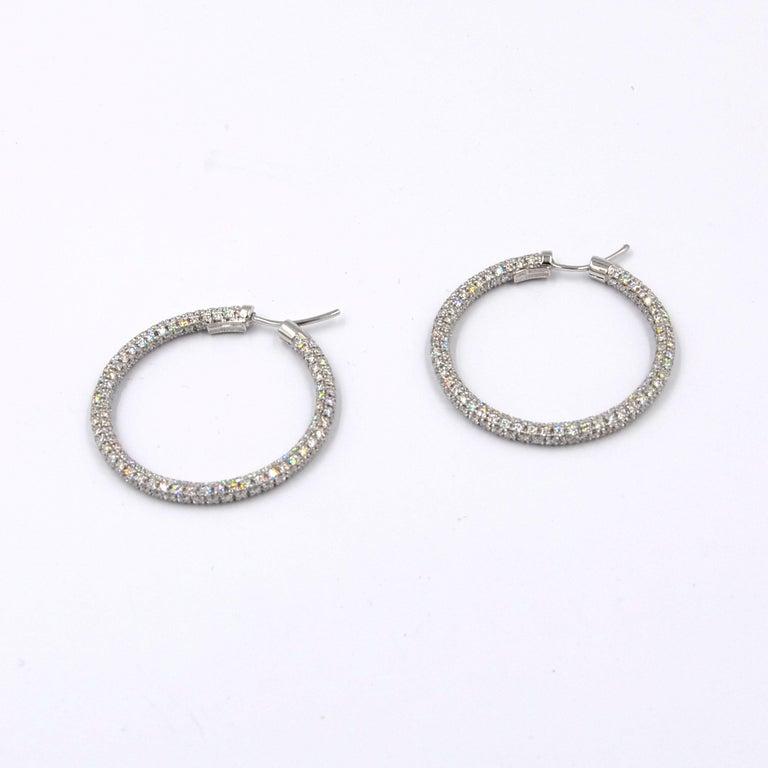 Garavelli 18 Karat White Gold Diamond Eternity Hoop Earrings In New Condition For Sale In Valenza, IT