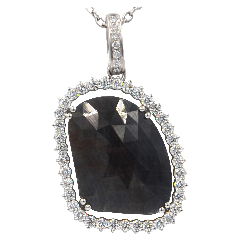 Garavelli 18 Karat White Gold Massive Sapphire and Diamonds Pendant Necklace