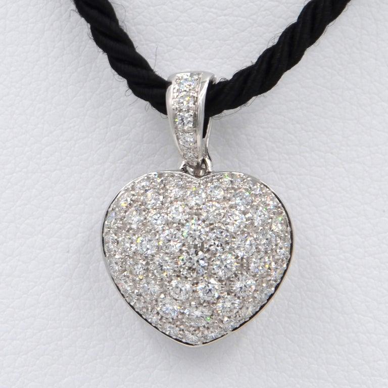 Contemporary Garavelli 18 Karat White Gold Pavè Diamond Puffed Heart Pendant For Sale