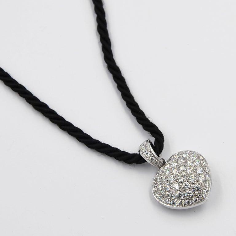 Women's or Men's Garavelli 18 Karat White Gold Pavè Diamond Puffed Heart Pendant For Sale