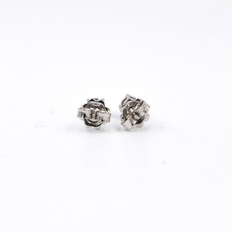 Garavelli 18 Karat White Gold Diamonds Stud Earrings In New Condition For Sale In Valenza, IT