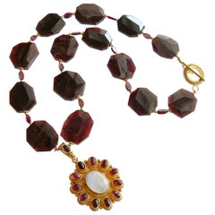Garnet Slices with Byzantine Garnet Moonstone Pendant Necklace - Constantia Neck