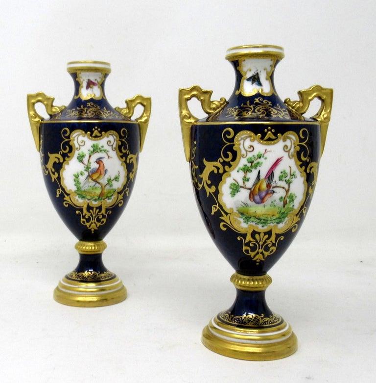 Garniture Coalport Porcelain Vases Urns Hand Painted Still Life Flowers Birds In Good Condition For Sale In Dublin, Ireland