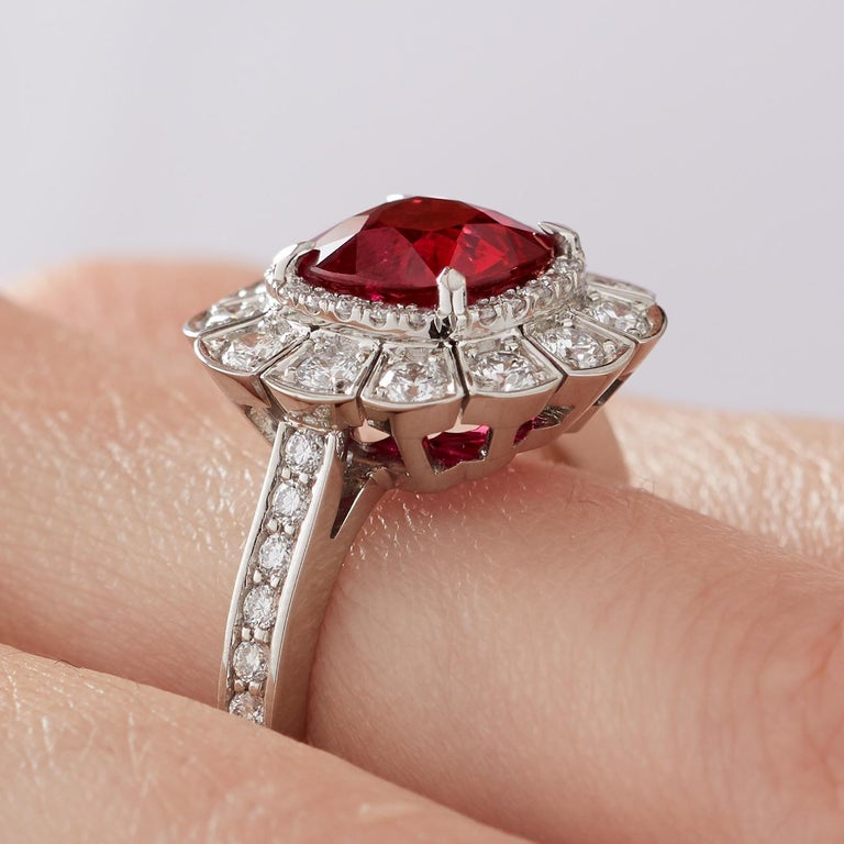 Women's or Men's Garrard 3.04 Carat GRS Cushion Cut Vivid Red Ruby  Diamond Cocktail Ring