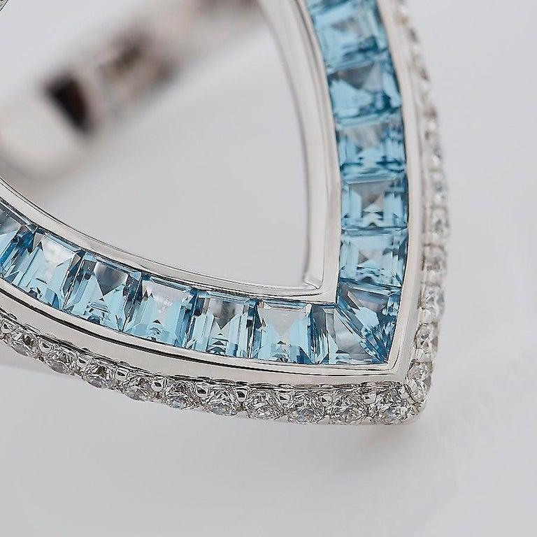 Garrard 'Aloria' 18 Karat White Gold Calibre Cut Aquamarine White Diamond Ring In New Condition For Sale In London, London