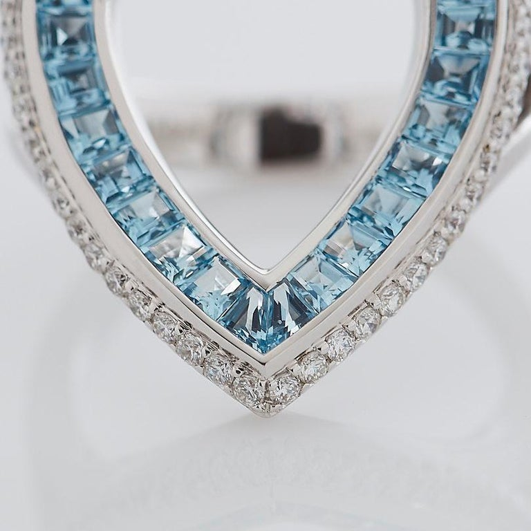 Women's or Men's Garrard 'Aloria' 18 Karat White Gold Calibre Cut Aquamarine White Diamond Ring For Sale