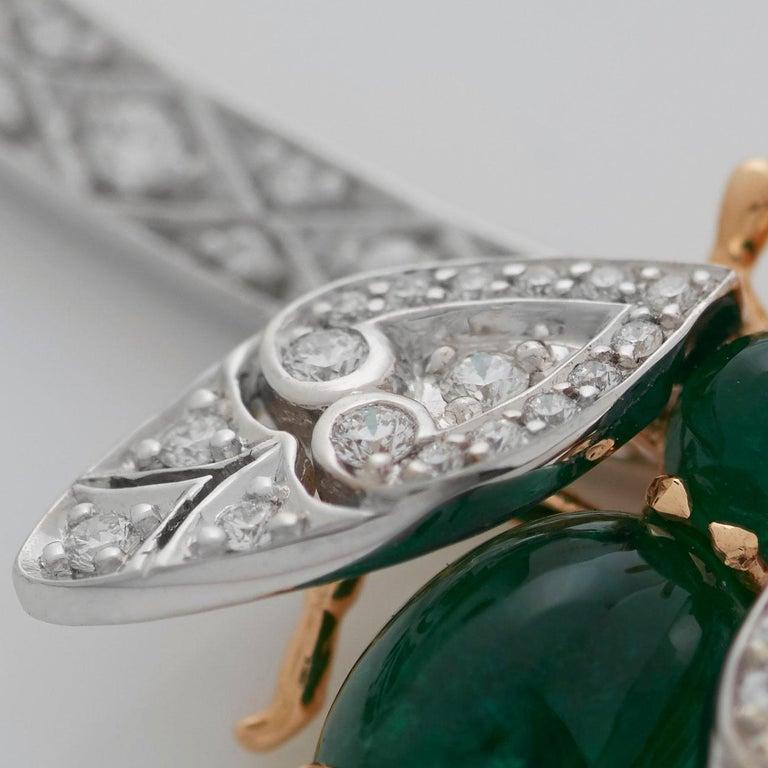 Garrard 'Enchanted Palace 18 Karat Emerald Cabachon and Diamond Bug Necklace For Sale 1