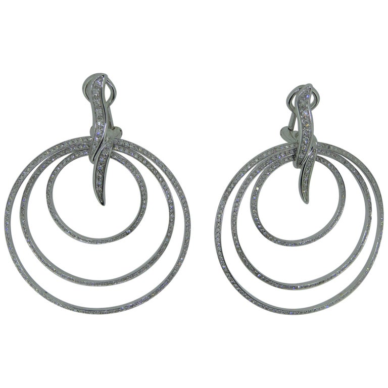 Gavello 18 Carat White Gold and Diamond Disc Earring Ear Clips For Sale
