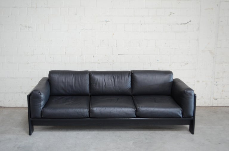 Bastiano leather sofa in black Semianiline leather.