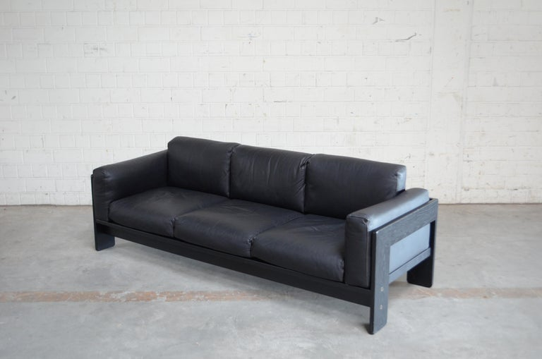Italian Gavina Leather Sofa Model Bastiano design Tobia & Afra Scarpa For Sale