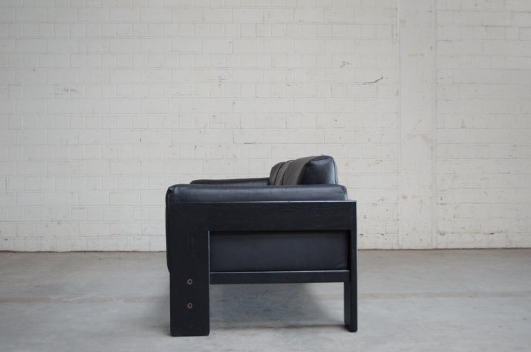 Blackened Gavina Leather Sofa Model Bastiano design Tobia & Afra Scarpa For Sale